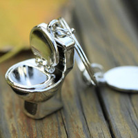 Wholesale Bathroom Keychains - Creative Metal Toilet Model Closestool Keyrings Stool Keychains for Sanitary Ware Bathroom Keyfob 3D Pendant Party Gifts ZA2958