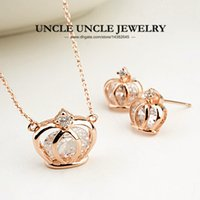Hollow-out Crown Design conjunto de jóias da mulher Rose Gold Color Zirconia Inside Lady Pendant Necklace / Earrings Wholesale