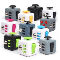 Multicolor packages latex - 2017 Top quality Popular Decompression Toys Fidget cube the world s first American decompression anxiety Toys with Retail Package