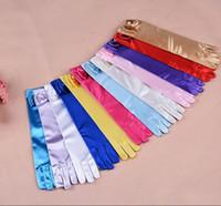 ingrosso accessori di cerimonia nuziale dei guanti della ragazza-Guanti lunghi da principessa per ragazze Guanti da sposa con accessori costume di prua Guanti in raso Regalo di compleanno