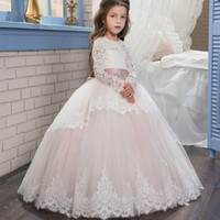 ingrosso i vestiti dei bambini vestono il colore rosa chiaro-Scoop Lace manica lunga Little Flower Girl Dresses 2018 lungo treno rosa chiaro Tulle Puffy Ball Gowns Bambini Pageant Prom Dresses