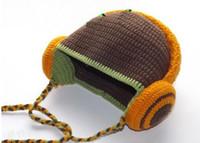 kız başlıklar fotoğrafları toptan satış-Kulaklık Çizgili Tığ Örme Şapka Bebek Erkek Kız Kış Noel Kapaklar Yenidoğan Bebek Yürüyor Çocuk Kulaklık Bere Pamuk Fotoğraf Sahne