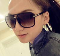 Woman oversized plastic glasses - 2017Hot Sales Fashion Sunglasses Summer Black Oversized PC UV Sun glasses restore ancient ways the big box of sunglasses