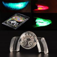 führte beleuchtete zähne großhandel-Großhandels-1 PC-bunte blinkende Blitz-Klammer-Mund-Schutz-Stück-Licht-oben festliche Partei-Versorgungsmaterialien Glühen-Zahn-lustige LED leuchten Spielzeug