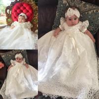 pantalones cortos con cuentas niña al por mayor-Blanco princesa Baby First Comunion Dresses Perlas rebordeadas manga corta vestido de niñas con cinta de los niños de los vestidos de fiesta de baile largo