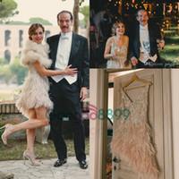 vintage knielänge brautkleider großhandel-1920 Vintage große Gatsby Short Country Brautkleider 2019 bescheidene Jenny Packham V-Ausschnitt funkelnde Kristallfeder knielangen Brautkleider