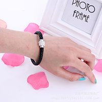 Wholesale Wholesale Fashionable Charm Bracelets - Fashionable woman bracelet jewelry braided Pu leather bracelet jewelry gifts