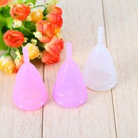 Wholesale Soft Box Large - 30PCS Reusable Silicone Menstrual Cup Period Soft Medical Cups Large Small Size Short Stem Retail Color Box Wholesale 3 Colors
