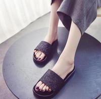 zapatos de sandalias de mujer blanco negro al por mayor-Rihanna Fenty Diapositivas con cajas originales Zapatos Leadcat Blanco Gris Negro Azul Rojo Mujeres Zapatillas Sandalias de interior Moda de mujer