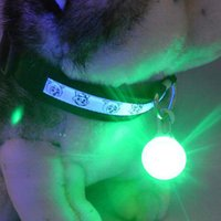 Bright Dog Pet LED Night Safety Flash Light pour Collier, bouton-poussoir Clignotant Pet Dog Collar LED Glowing Collar Accessoire