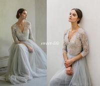 gri tül zemin uzunluğu elbise toptan satış-Vintage Bohemia Gri Tül Gelinlik Yarım Kollu Dantel Kat Uzunluk V Yaka 2020 Sheer Boho Artı Boyutu Gelinlikler