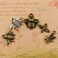 Wholesale Wholesale Vintage Accessories Cheap - DIY accessories vintage antique bronze metal honeybee charms, Zakka retro alloy small cheap animal tibetan silver bee pendant package post