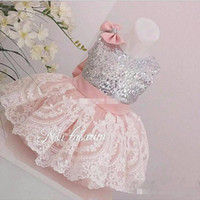 2017 Blush Tulle Lace Wedding Flower Girl Vestidos com Bow Baby Aniversário Party Dress Toddler Girl Dress Upress Vestidos de bola com Sequins