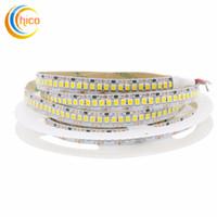 12v led de iluminación comercial al por mayor-Luces de proyecto Luz de cadena comercial 2835 luces de cadena led 240 Leds / m DC 12v Cadena de luces No impermeable IP20 blanco / blanco cálido