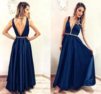 mavi ışıltılı kızlar elbiseli toptan satış-Backless Uzun Akşam Parti Elbiseler Kızlar için Illusion V Boyun A-Line Lacivert Saten Gelinlik Modelleri Boncuklu Bel Sparkle Balo Abiye