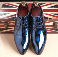 size 12 wedding shoes al por mayor-Zapatos de boda de la manera del diseñador rojo de los hombres Zapatos de cuero de patente del nuevo hombre de la punta señalada del hombre más el tamaño 12 13 zapatos negros del partido Hombre Zapatos