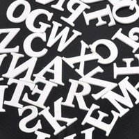ingrosso lettere di legno z-Commercio all'ingrosso- Lettere di legno alfabeto misto bianco A-Z Craft per matrimonio compleanno decorazione della casa 35mm 50pcs MT0701