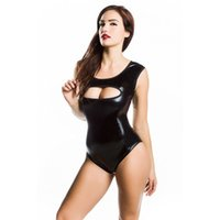 Новое прибытие Black Faux Leather Bodysuit Latex Sleeveless Leotard Erotic Open Bust Sexy Catsuit Women Teddies Club Wear