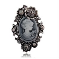 Wholesale Christmas Pins For Cheap - Wholesale- Fashion Vintage Jewelry Cameo Brooch Pin Beauty Queen Crystal Rhinestone Christmas Antique Gold Silver Brooches For Women Cheap