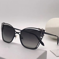 Wholesale cat eye stones - SK0163 Luxury Fashiong Sunglasses With Diamond Stone UV Protection Women Brand Designer Vintage Cat Eye Frame Top Quality Come With Case