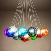 современные цветные хрустальные люстры оптовых-Красочный стеклянный шар G4 LED люстра лампа 3 ~31heads стеклянных сфер современный светлый цвет пузырь светодиодные хрустальные люстры для гостиной