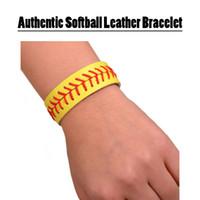 braceletes de futebol grátis venda por atacado-Softball de couro amarelo pulseira de beisebol futebol branco 10 cor frete grátis