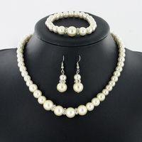 ingrosso si adatta agli accessori per catene-Collana di perle Orecchini Bracciale Set 3 pezzi vestito NUOVI gioielli di moda per le donne Abbigliamento accessori Moda catena appesa spedizione gratuita