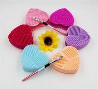 make-up pulver pads großhandel-Herzform Gesicht Sauber Waschbürste Schwamm Ei Make-Up Pad Silikon Handschuh Wäscher Kosmetik Foundation Puder Saubere Werkzeuge