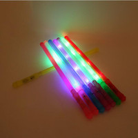 ingrosso asta di luce di concerto-LED Light Fluorescence Sticks Colorful Glowing In The Dark plastica lampeggiante Rod per Concert Party Decorazione di nozze 1 15sc KK