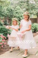 ingrosso tè dei capretti dell'annata-2019 Vintage Flower Girl Abiti per matrimoni White Lace Custom Made Princess Jewel Maniche corte Tea-Length Kids Primi abiti da comunione