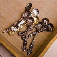 Wholesale Vintage Ice Cream Spoons - Fashion Royal Wind Spoon Vintage Gold And Silver Coffee Spoon Ice Cream Spoon 10.5 cm About More Style Mix