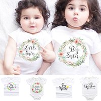 Brother Brother Abbigliamento Little Baby Rompers Jumpsuits Estate Ragazzi Ragazze Ragazze Magliette Letture Floral Toped Top Famiglia Matching Outfits 141