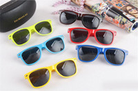 Wholesale Trend Glasses Styles - Trend Womens and Mens Cheap Modern Beach Sunglass Plastic Classic Style Sunglasses Many colors to choose Sun Glasses Drop Free Shipping