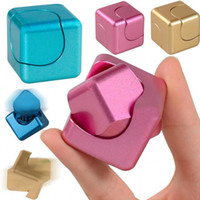 Novo Hot Fidget Cube Hand Spinner Magic Cube Finger Toys EDC Tri-Spinner Gift Kids Girl Boys Adulto Autismo ADHD ansiedade Stress