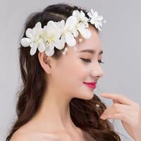 diadema perla coreana blanco al por mayor-Perlas coreanas hechas a mano joyería nupcial diademas para mujeres y niñas blanco rhinestone rojo boda hiar accesorios