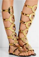 zipper back shoes venda por atacado-Novas Mulheres de Verão Na Altura Do Joelho Botas Altas Gladiador Sandálias Ankle Boots Voltar Zipper Círculo de Ouro Oco Para Fora Plana Sandália Botas Sapatos Mulher