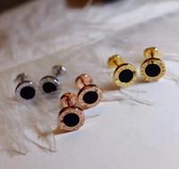 schwarze onyx ohrringe frauen stud großhandel-Berühmte Marke S925 Silber Stud mit schwarzem Achat und weißer Muschel in 0,9 cm Fashion Marke Ohrringe Schmuck für Frauen Hochzeitsgeschenke PS5668