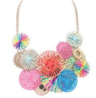 ücretsiz kolye sırası toptan satış-Moda Takı Sevimli Tatlı Renkli Hollow Çevreler Süslemeleri Bildirimi Kolye Ajur Çiçek Gerdanlık Yaka Mix sipariş Ücretsiz kargo