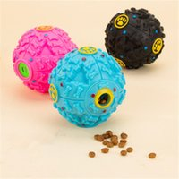 Nova moda Creative Dog Toy Leakage Pet Food Ball Distribuidor de som quente Squeaky Giggle Quack Sound Training Toy Chew Ball Pet Supplies