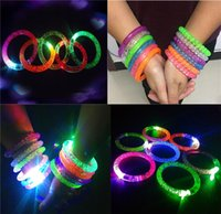 LED Flash Bracelet Pulseira de pulso colorida Light Luminous Hand Rings Children Holiday Party Brinquedos Presentes Props Cheap Wholesale Free DHL 197