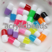 Cheap Half Drilled 6 * 12MM Double Colors Tiny Faux Pills Capsules De plástico Resina Beads Cabochons Oval Resin Spacer Beads Earring 50pcs