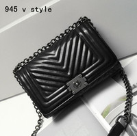 Wholesale authentic brand handbags - Wholesale brand handbag authentic classic small series of fashion new V word grain lattice chain bag trend wavy woman single shoulder bag