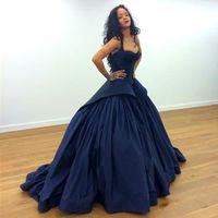 celebridades vestidos rihanna venda por atacado-Rihanna Zac Posen Celebridade Red Carpet Evening Dresses 2017 Sexy Peplum Marinha Escuro Gótico Tafetá Plus Size Árabe Prom Formal Ocasião Vestidos