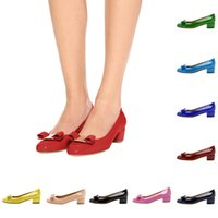 P35 de alta qualidade New Fashion Women's Pointed Toe Low Heel Shoes Sapatos de vestido de tamanho grande Elegant Chunky Heel Work Party Prom Pumps