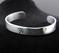 Wholesale India Stainless Jewelry - Cool Men Women's Silver Tone AUM OM Ohm Hindu Buddhist Hinduism Yoga India Stainless Steel Cuff Bangle Bracelet Jewelry MB194