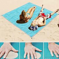 большой открытый мат для пляжа оптовых-200 * 200 см ковры утечки пляжные коврики большой 2017 открытый путешествия газон пляжное полотенце взрыв продукты для отдыха туристические продукты
