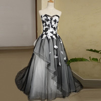 wedding colors champagne silver NZ - Fashion Ball Gown Sweetheart Wedding Dress 2017 Style White and Black Wedding Dresses Plus Size Two Colors Lace with Crystals Bridal Gowns