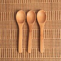 cucharas de mermelada al por mayor-Cuchara de mermelada de madera Bebé Cuchara de miel Cuchara de café Nueva cocina delicada con condimento pequeño 12.8 * 3 cm