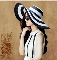 chapéu de abas largas de palha preta venda por atacado-2017New Moda Verão das Mulheres Chapéu de Sol Menina Clássico Preto e Branco Listrado Vintage Largo Grande Brim Palha Chapéu de Praia