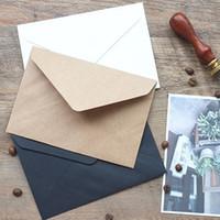 invitaciones de la boda del vintage fijadas al por mayor-Wholesale-50pcs / set Vintage Brown blanco negro Kraft en blanco mini papel ventana sobres boda invitación sobre / sobre de regalo / 3 colores